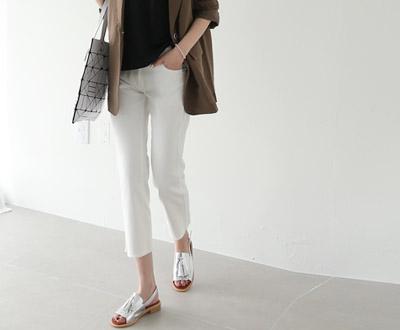 [NPT31JP24] 428白色德里克范靴型短裤